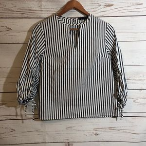 Black and white stripped key hole EXPRESS top